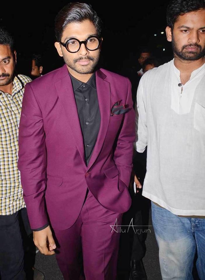Allu Arjun,Allu Arjun photos,Allu Arjun at music awards,mirchi music awards