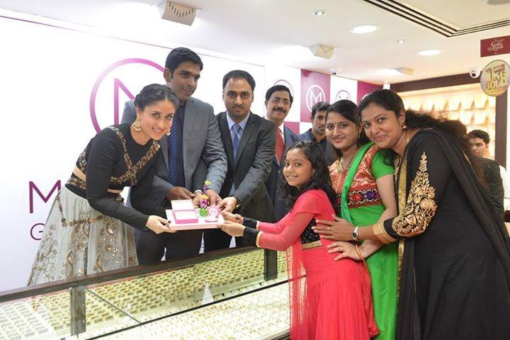 Kareena Kapoor inaugurates Malabar Gold in Kuala Lumpur,Kareena Kapoor,actress Kareena Kapoor,Kareena Kapoor Khan,Malabar Gold,Malabar Gold in Kuala Lumpur,Kareena Kapoor's Malabar Gold,Malabar gold and diamonds,Kareena Kapoor pics,Kareena Kapoor images,K