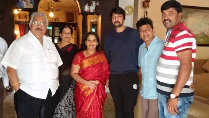 Shivaraj Kumar,Shivaraj Kumar Invited Sudeep,Shivaraj Kumar and Sudeep,Sudeep,Nirupama's Wedding,Shivaraj Kumar daughter Nirupama's Wedding