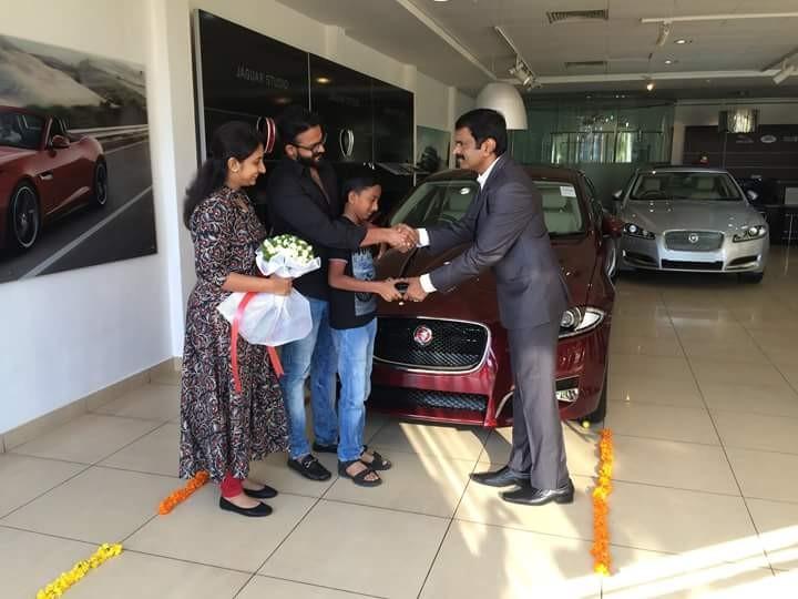 Jayasurya,Jayasurya New car,Jayasurya Jaguar Land Rover,Jaguar Land Rover,celebs with Jaguar Land Rover,Jaguar Land Rover kochi,celebs and cars