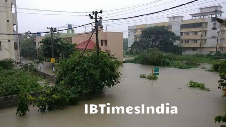 Heavy Monsoon rains,Monsoon rains,Monsoon rains in Bangalore,Bangalore rain,heavy rain in Bangalore,Flood in Bangalore,Rain In Bangalore,bangalore floods,Heavy rain pounds Bengaluru