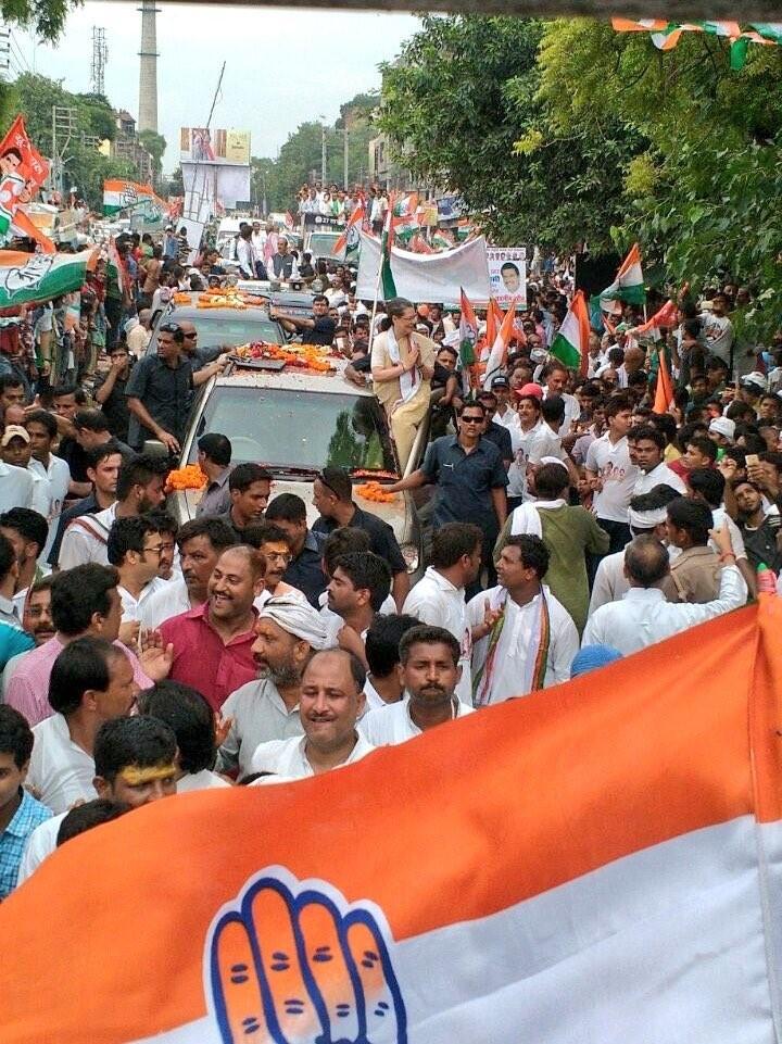 Sonia Gandhi,UP campaign,Sonia Gandhi roadshow in Varanasi,Sonia Gandhi in Varanasi,Varanasi,Congress President Sonia Gandhi