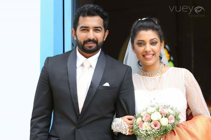 Jewel mary,jewel mary wedding,jewel mary wedding photos,Jenson Zachariah,mazhavil manorama,D4dance,onnum onnum moonu show