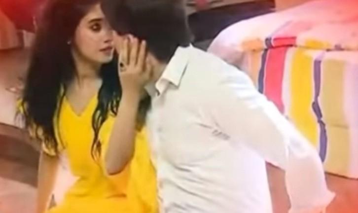 Naira and Karthik in Yeh Rishta Kya Kehlata Hai