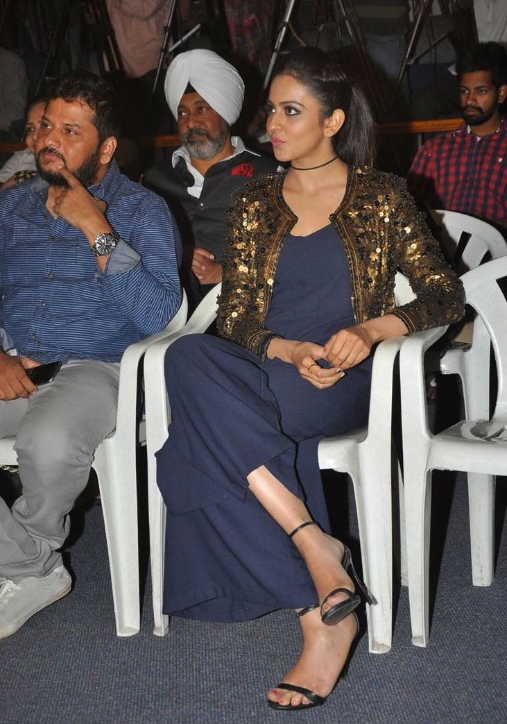 Rakul Preet Singh,Ram Charan,Ram Charan Teja,Dhruva Trailer Launch,Dhruva Trailer,Dhruva Trailer Launch pics,Dhruva Trailer Launch images,Dhruva Trailer Launch photos,Dhruva Trailer Launch stills,Dhruva Trailer Launch pictures