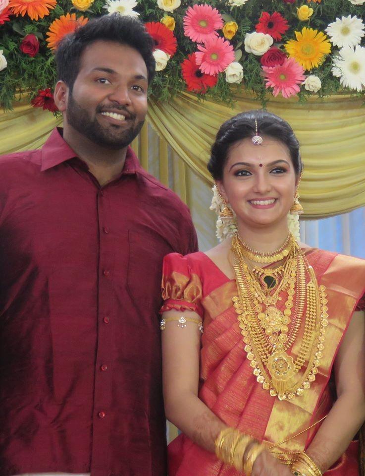 Saranya Mohan,Saranya Mohan wedding photos,Saranya Mohan Marriage,Saranya Mohan wedding,Saranya Mohan weds Aravind