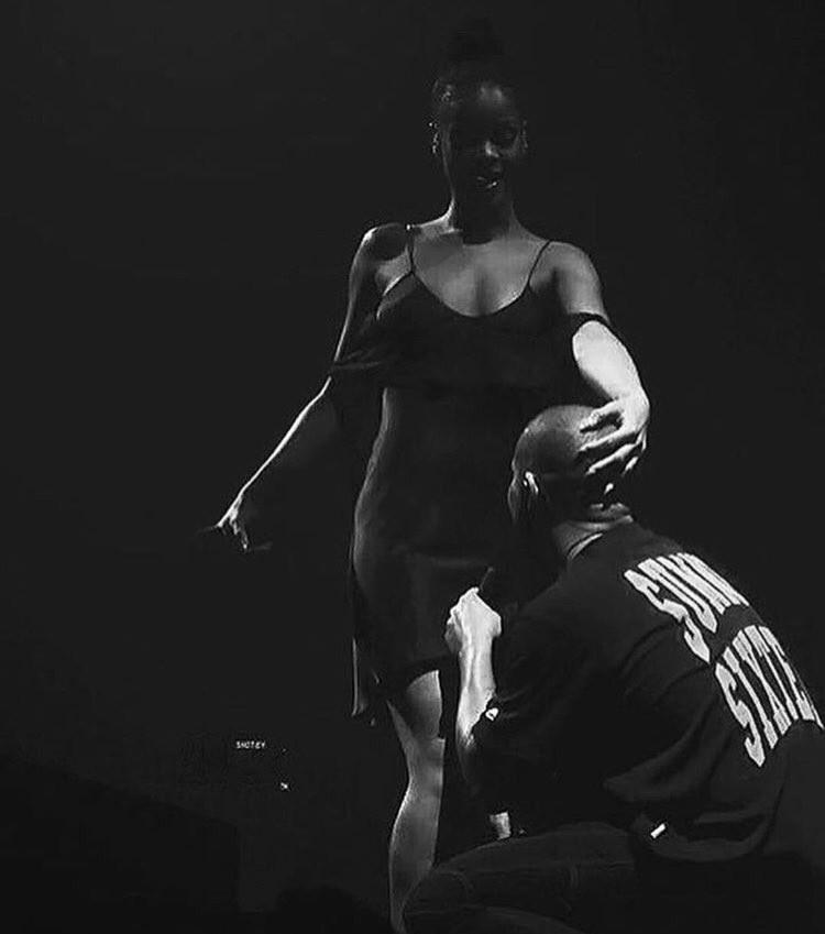 Rapper Drake,singer Rihanna,Rihanna,Rihanna kiss Rapper Drake,Rapper Drake kiss Rihanna,Rihanna pics,Rihanna images,Rihanna photos,Rihanna stills,Rihanna pictures