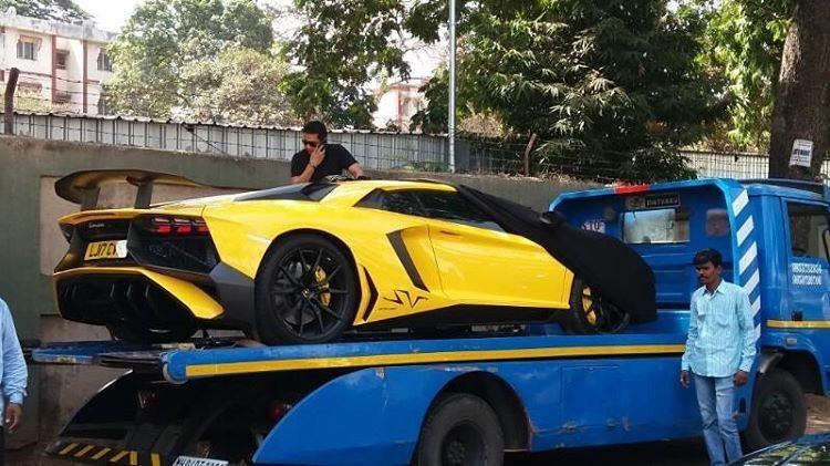 Lamborghini Aventador SV spotted in Mumbai