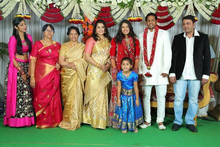 Sangavi and Venkatesh Wedding Pictures,Sangavi Wedding Pictures,Sangavi Wedding pics,Sangavi Wedding photos,actress Sangavi Wedding Pictures,Sangavi Wedding,Sangavi marriage,Sangavi marriage pics,Sangavi marriage images,Sangavi marriage photos,Sangavi mar