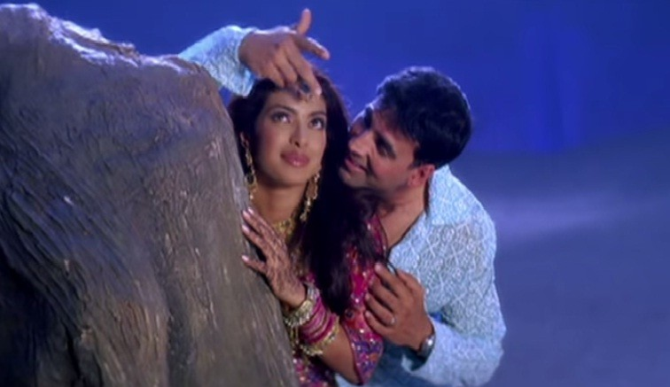 Akshay Kumar, Priyanka Chopra in 'Waqt'