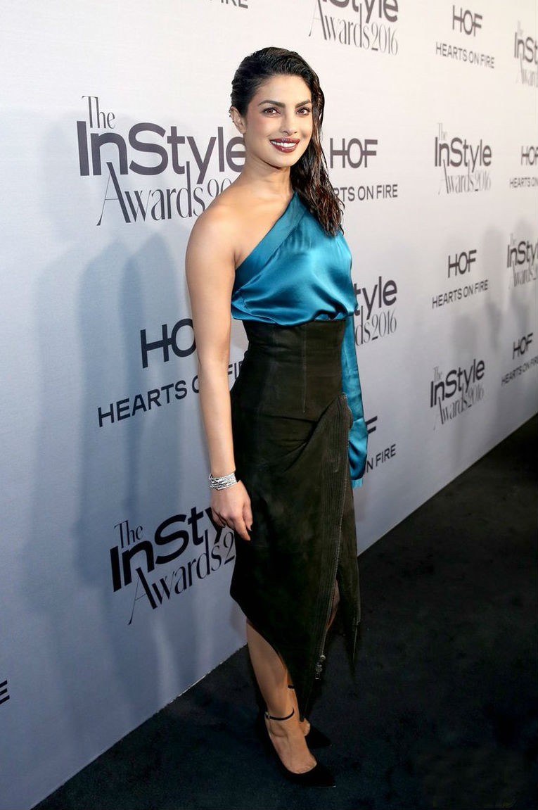 Priyanka Chopra,Priyanka Chopra as Breakout Style Icon,Breakout Style Icon,Priyanka Chopra awarded Breakout Style Icon,Instyle Awards,Instyle Awards 2016,Priyanka Chopra at Instyle Awards,Priyanka Chopra awarded at Instyle Awards,Priyanka Chopra latest pi