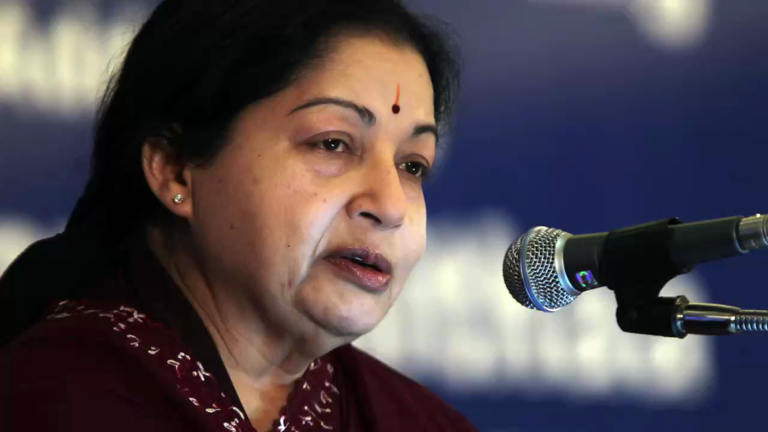 Madras HC orders notice to TN government on plea for Jaya's cremation
