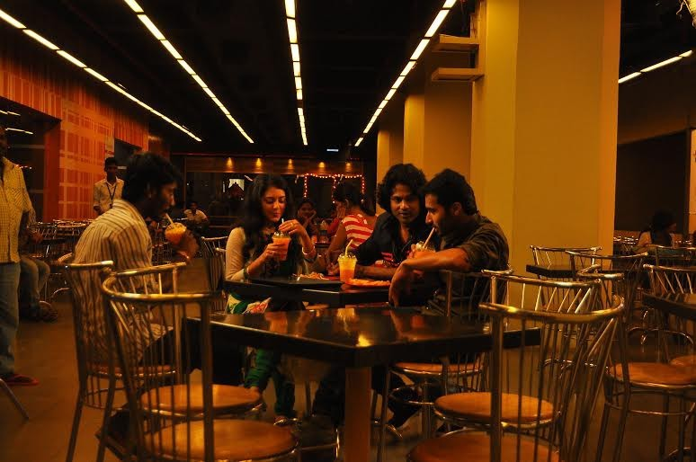 Athibar,tamil movie Athibar,Athibar movie stills,Athibar movie pics,Jeevan,Vidhya,Jeevan and Vidhya,Athibar movie images,tamil movie pics,tamil movie stills