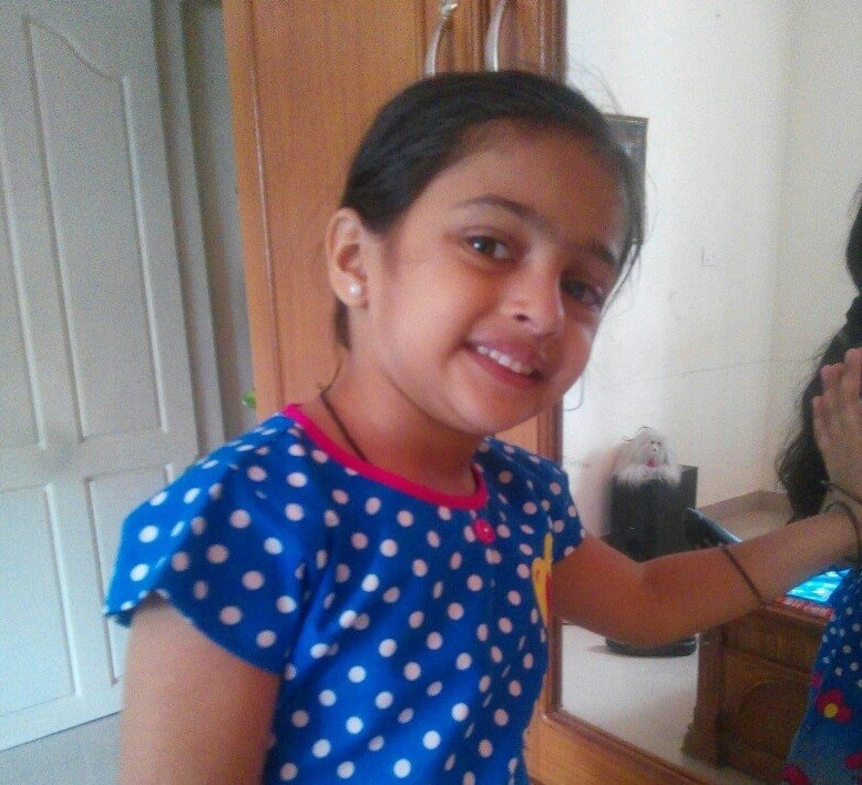 Akshara Kishor,Bala mol,Bala mol of Karuthamuthu,Karuthamuthu serial,Karuthamuthu fame bala mol,Karuthamuthu child artist,Karuthamuthu kid photos