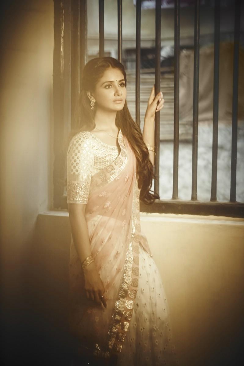 Parul Yadav,actress Parul Yadav,south indian actress Parul Yadav,Parul Yadav Latest Pics,Parul Yadav Latest images,Parul Yadav Latest photos,Parul Yadav Latest stills,Parul Yadav Latest pictures