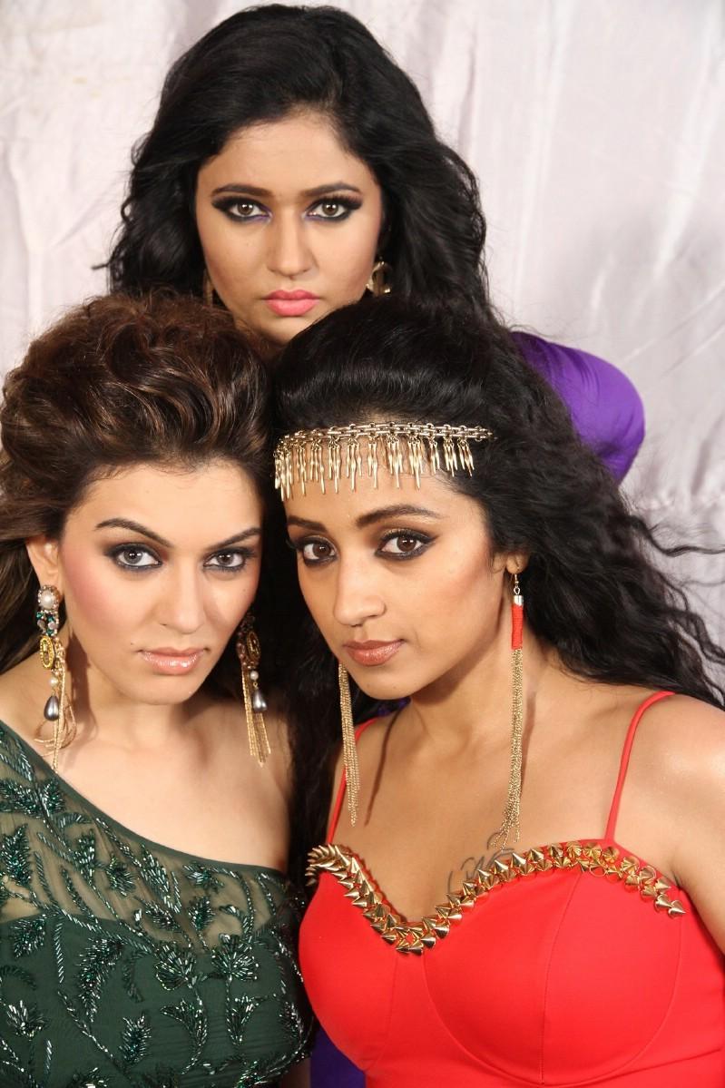 Aranmanai 2,Siddharth,Trisha,Hansika Motwani,Poonam Bajwa,Vaibhav Reddy,Soori,Kovai Sarala,Manobala,Aranmanai 2 Movie Stills,Aranmanai 2 Movie pics,Aranmanai 2 Movie images,Aranmanai 2 Movie photos