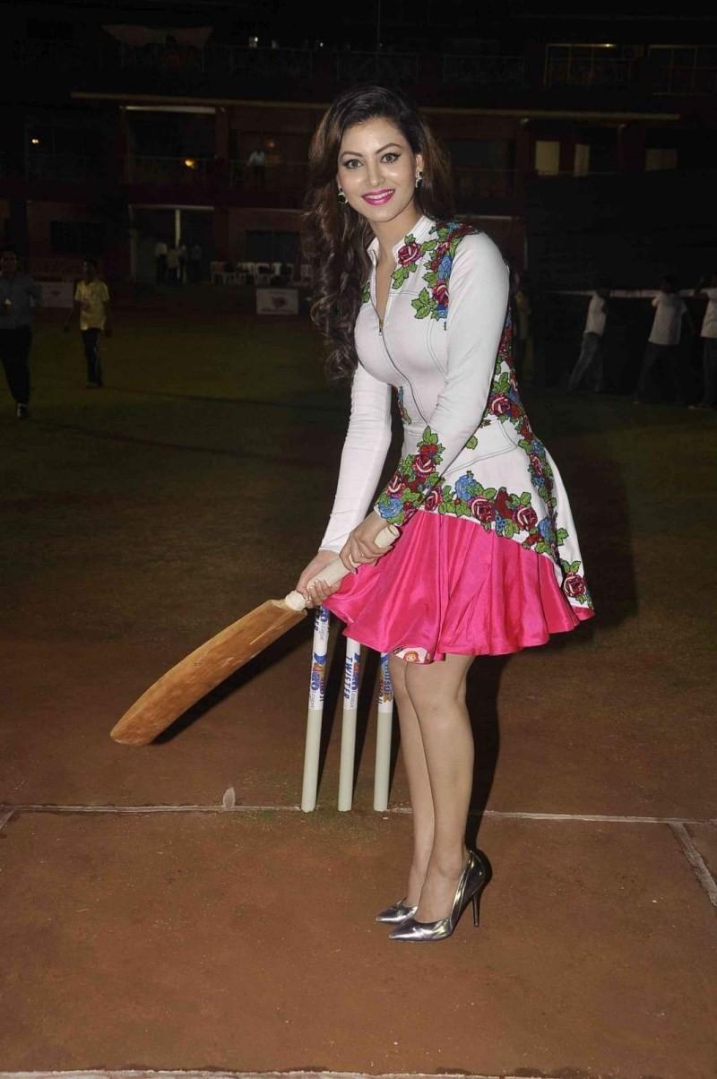 Mitsui Shoji T20 Cricket League 2015,Cricket League 2015,T20 Cricket League,Urvashi Rautela,actress Urvashi Rautela,Urvashi Rautela pics,Urvashi Rautela images,Urvashi Rautela photos,T20 Cricket