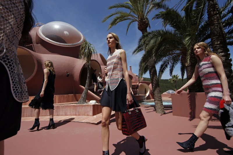 Dior Cruise Collection,Dior Cruise Collection 2015,fashion show,women CRUISE 2016,women fashion show,Palais Bulles,ramp walk,68th Cannes Film Festival,Cannes Film Festival,Cannes Film Festival 2015,68th Cannes Film Festival 2015