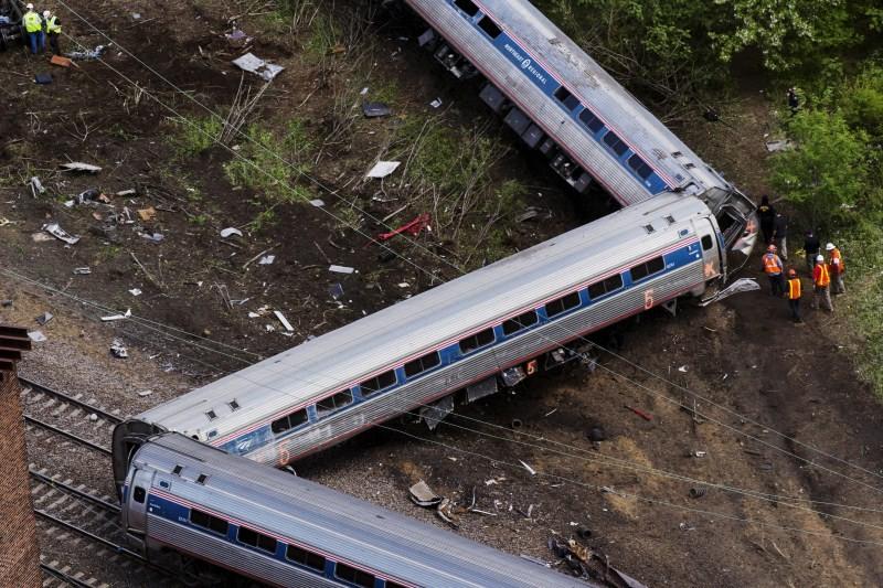 Amtrak Crash,Amtrak train Crash,train Crash,train accident,train crash in Philadelphia,Philadelphia,Brandon Bostian,Amtrak train,Amtrak train accident,amtrak train crash today,amtrak auto train,amtrak train wreck,amtrak train tracker crack
