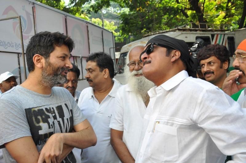 Telugu Film Industry Swachh Bharat Campaign at hyderabad,Swachh Hyderabad,KCR leads Swachh Hyderabad campaign,Swachh Hyderabad campaign,Swachh Bharat Hyderabad photos,celebs at Swachh Bharat Hyderabad,Swachh Bharat Hyderabad,Swachh Bharat Hyderabad pics,S