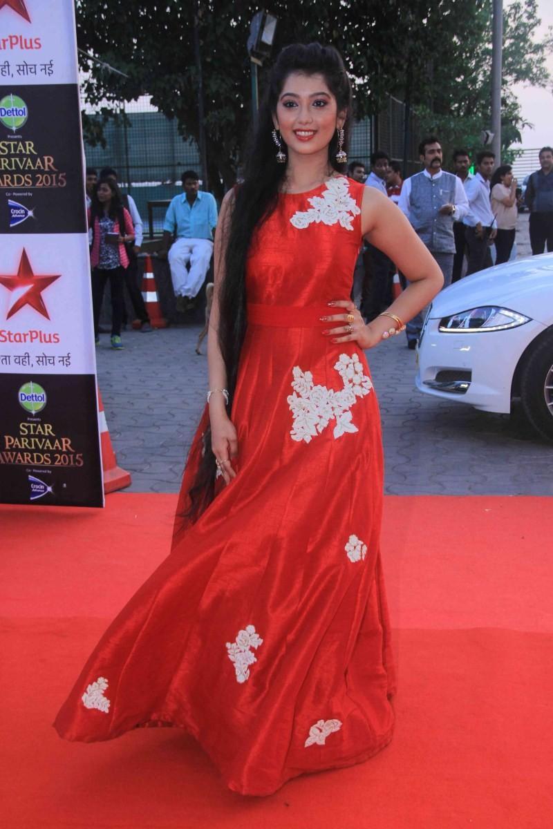 Star Parivaar Awards 2015,Star Parivaar Awards,Parivaar Awards 2015,Yeh Hai Mohabbatein,tv star,Raman ishita,naitik akshara,Yeh Rishta Kya Kehlata Hai,Divyanka Tripathi,karan patel,Karan Mehra,Hina khan,Nach Baliye 7,Star Parivaar Awards 2015 pics,Star Pa
