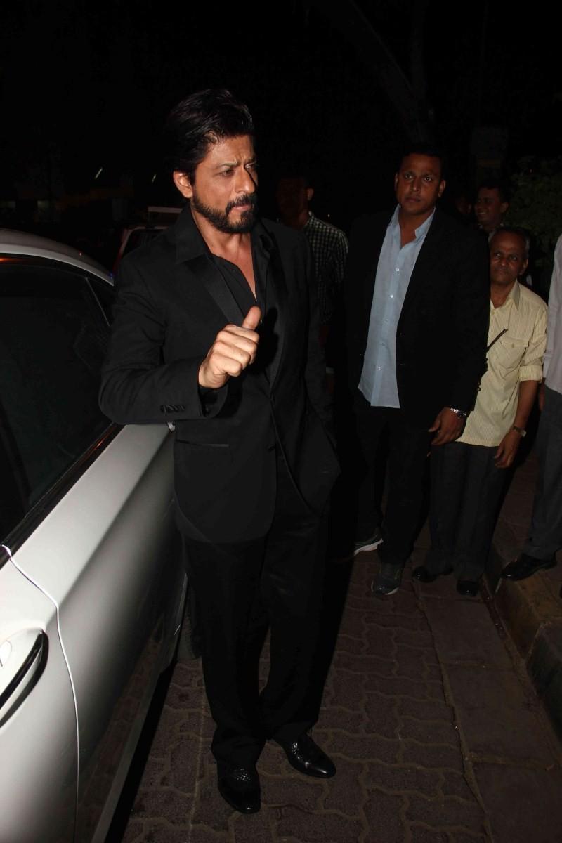 Shahrukh Khan at Piku Success Party,SRK at Piku Success Party,Piku Success Party,piku,Shahrukh Khan,actor Shahrukh Khan,Shahrukh Khan pics,Shahrukh Khan images,Shahrukh Khan photos,Shahrukh Khan stills,Shahrukh Khan pictures,Shahrukh Khan latest pics,Shah