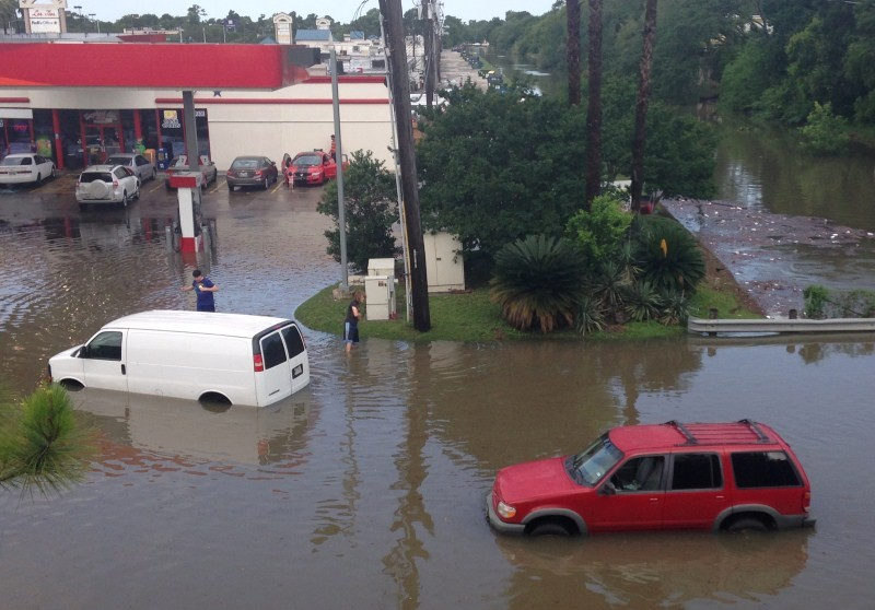 Widespread flooding caused by heavy rains in Texas,Flooding in Texas,heavy rain in Texas,heavy rain,Blanco River,central Texas,flooding in texas now,flooding in texas 2015