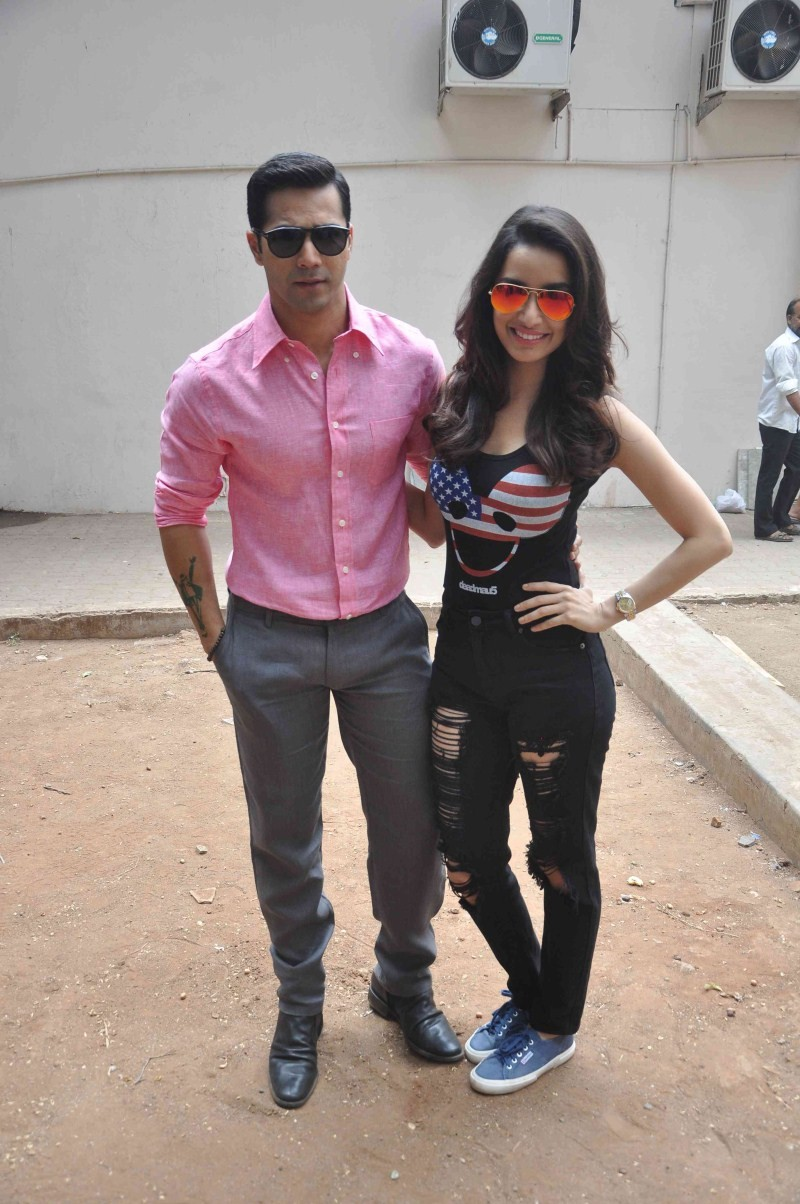 ABCD 2 movie Promotion at Mehboob Studio,ABCD 2 movie Promotion,ABCD 2,bollywood movie abcd 2,varun dhawan and shraddha kapoor,varun dhawan,shraddha kapoor,ABCD 2 Movie Promotion pics,ABCD 2 Movie Promotion images,ABCD 2 Movie Promotion photos,ABCD 2 Movi