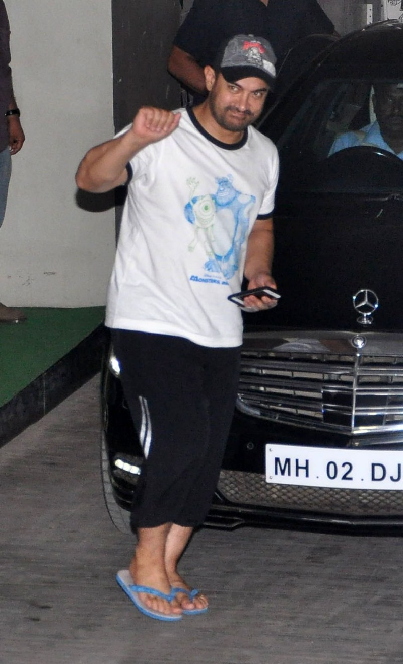 Aamir khan and Ranbir Kapoor snapped at Lightbox,Aamir khan snapped at Lightbox,Ranbir Kapoor snapped at Lightbox,Aamir khan,actor Aamir khan,Ranbir Kapoor,actor Ranbir Kapoor,Lightbox