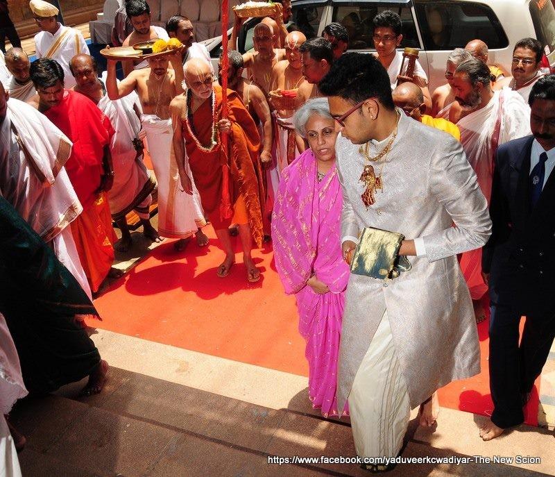 Ceremony of Yaduveer Wadiyar as Maharaja of Mysore,Yaduveer Wadiyar as Maharaja of Mysore,Maharaja of Mysore,new mysore Maharaja,mysore Maharaja,Mysore King Coronation,Yaduveer Wadiyar,new king of Mysore,new king of Mysore Yaduveer Wadiyar,mysore palace,A