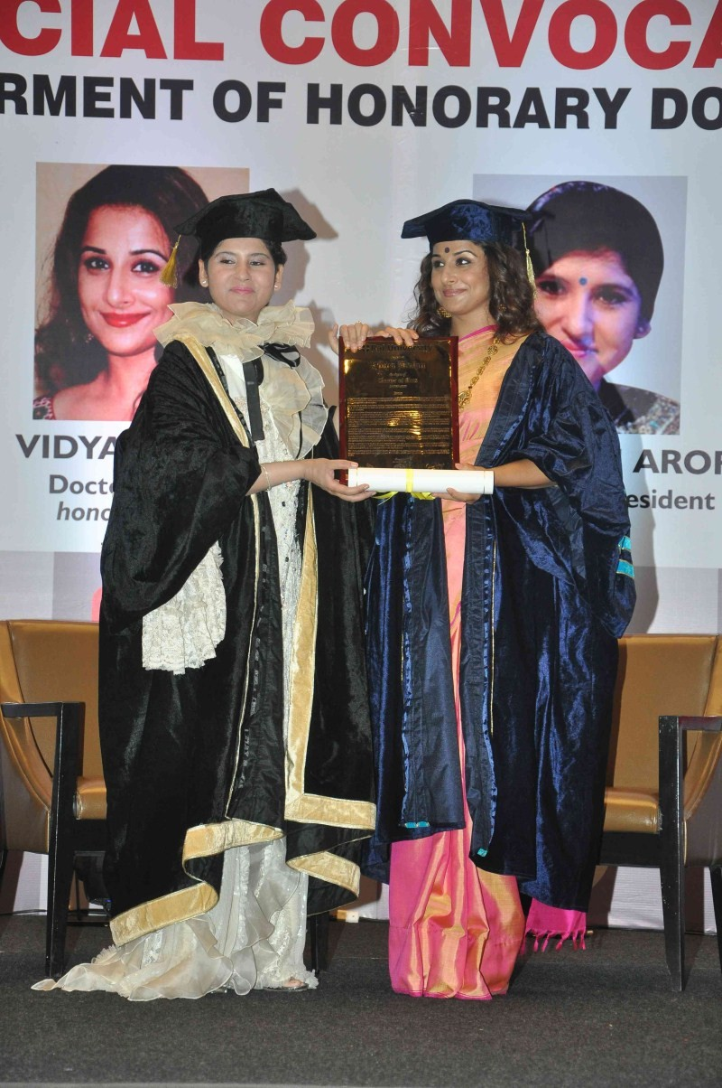 Vidya Balan gets doctorate,Vidya Balan,actress Vidya Balan,Doctor of Arts Honoris Causa degree,Vidya Balan pics,Vidya Balan images,Vidya Balan photos,Vidya Balan stills,Indian cinema