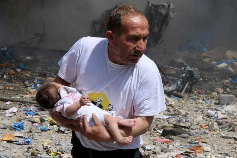 Syria Barrel Bomb Attacks,Barrel Bomb Attacks,Syrian President Bashar al-Assad,barrel bombs,explosives bombs,Syria regime barrel bombs,bomb attacks