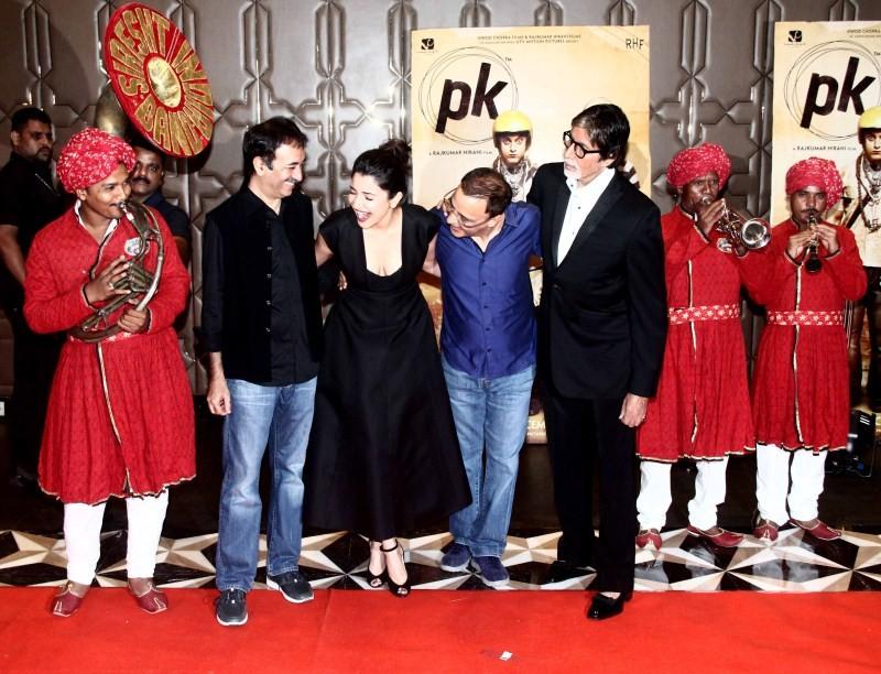 PK Success Party,Amir Khan,Amitabh Bachchan,Anushka Sharma,Ranveer Singh,Deepika Padukone,PK Success party pics,PK Success party images,PK Success party photos,PK Success party stills,PK Success party pictures