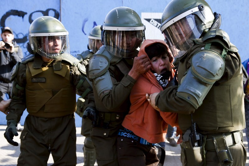 Chile's Students Protest,Students Protest,Protest Over Educational Reform,cheaper education,Deaths in Chile student protests,chile student protests 2015,student protests,Chile police,Chile police clash,police clash,education system