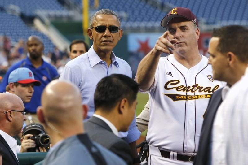 Obama,Barack Obama,Obama attends the Congressional Baseball game,Congressional Baseball game,Baseball Game,Nationals Park,Republicans against Democrats,U.S. President Barack Obama