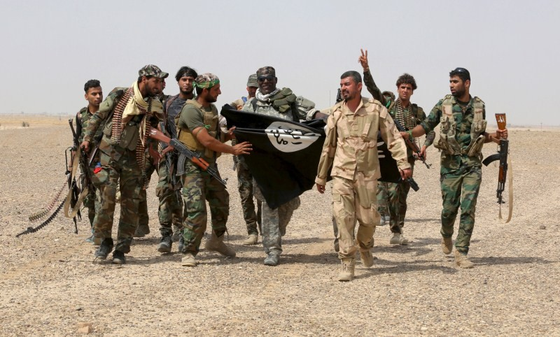 Iraq vs ISIS,Iraqi forces,Islamic State fighters,fight between Iraq vs ISIS,Iraqi Army soldiers,Army soldiers,IS militants