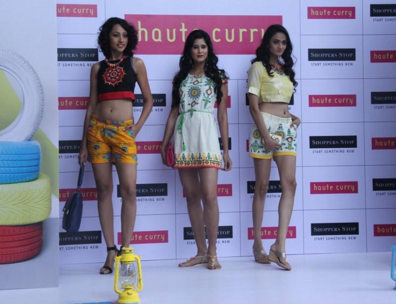 Shruti Hassan,Brand Haute Curry,Shruti Hassan showcases the latest collection of Brand Haute Curry,Shruti Hassan launched Haute Curry at Shopper stop,Shruti Hassan joins fashion show,Shruti Hassan fashion show,fashion show,Shruti Hassan pics,Shruti Hassan