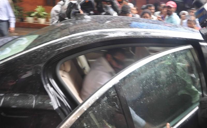 Saif Ali Khan,Saif Ali Khan at the Mumbai court,Saif Ali Khan at Mumbai court,actor Saif Ali Khan,Saif Ali Khan pics,Saif Ali Khan images,Saif Ali Khan photos,Saif Ali Khan stills,Saif Ali Khan pictures,Saif Ali Khan appears at Killa court