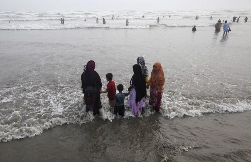 Pakistan Heat Wave,Heat Wave,Pakistan Heat Wave Kills Hundreds,Pakistan,Karachi,Karachi Heat Wave