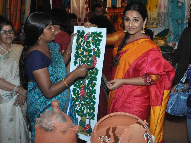Vidya Balan,actress Vidya Balan,Vidya Balan inaugurates Craft Exhibition of MP,Craft Exhibition of MP,Vidya Balan pics,Vidya Balan images,Vidya Balan photos,Vidya Balan in Saree,Vidya Balan pictures