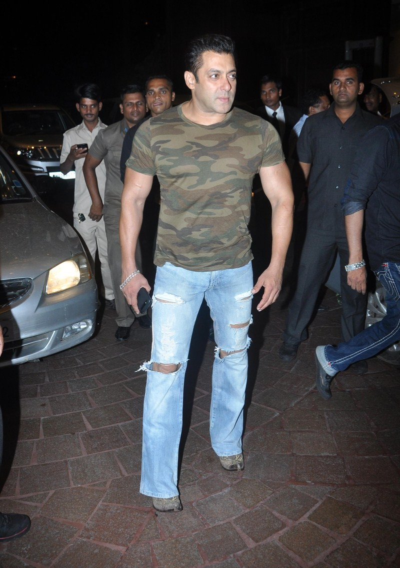 Salman Khan,actor Salman Khan,Salman Khan spotted at Taj Lands End,Salman Khan at Taj Lands End,Salman Khan pics,Salman Khan images,Salman Khan photos,Salman Khan stills