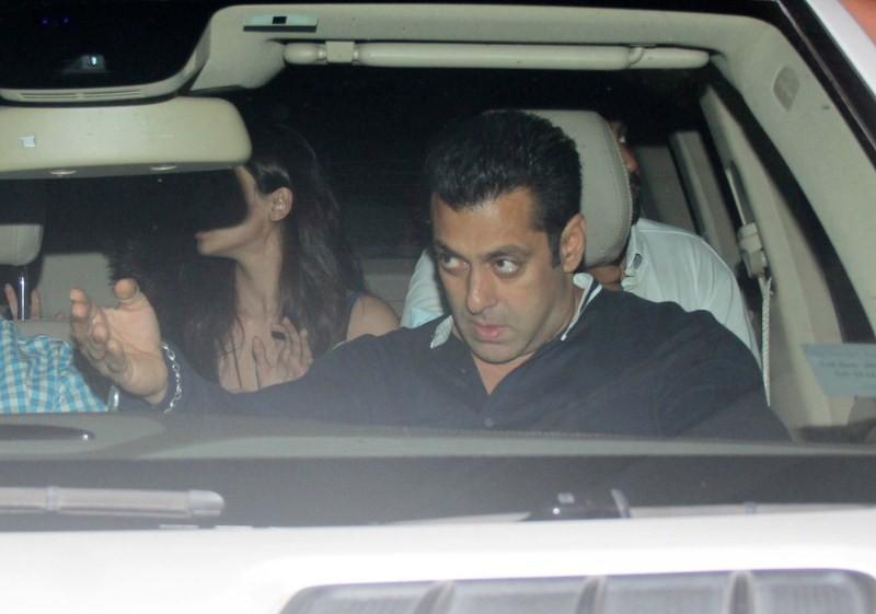 Salman Khan,Daisy Shah,Sneha Ullal,Salman Khan spotted at PVR Juhu,Daisy Shah spotted at PVR Juhu,Sneha Ullal spotted at PVR Juhu,Salman Khan pics