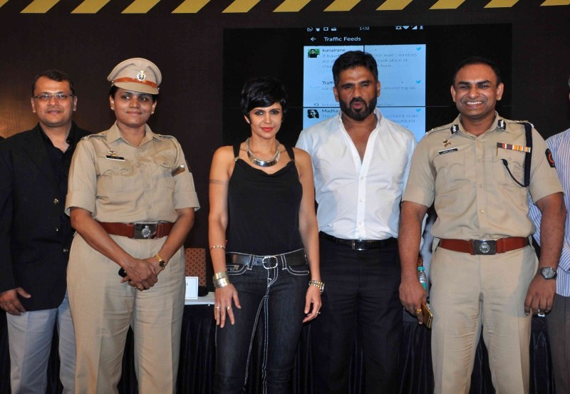 Mumbai Traffic,Street Smart - Street Safe,road safety,Mumbai Traffic Police,road safety initiative,mandira bedi,actress mandira bedi,mandira bedi pics