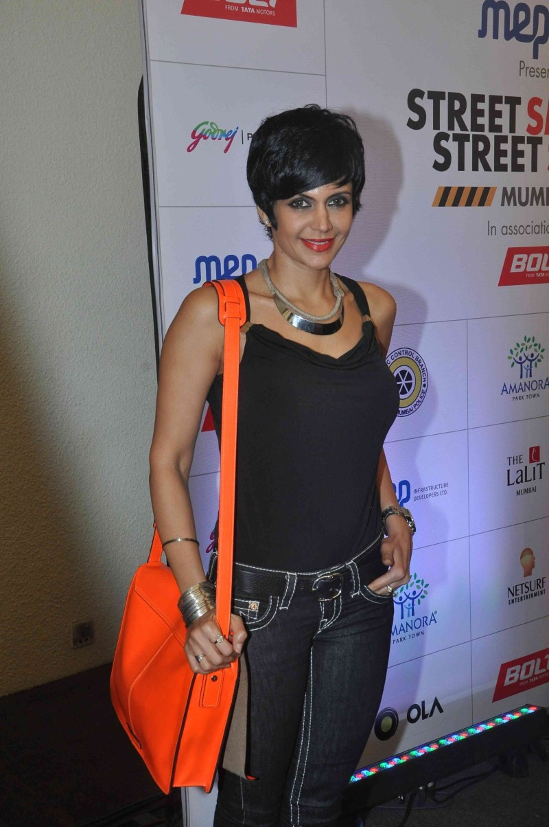 Mumbai Traffic,Street Smart - Street Safe,road safety,Mumbai Traffic Police,road safety initiative,mandira bedi,actress mandira bedi,mandira bedi pics