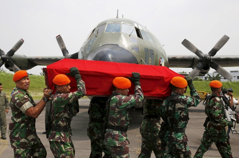 Indonesian Air Force plane crashes,Indonesian Air Force,Air Force plane crashes,plane crashes,Hercules C-130 plane,Air Force Hercules C-130,Indonesian Air Force Plane Crash