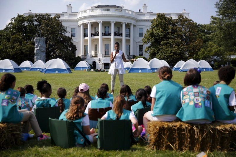 Obama camp out,Obama camp out with Girl Scouts on White House lawn,Obama camp out with Girl Scouts,White House,Obama,Girl Scouts,Michelle Obama,Barack Obama,Michelle Obama pics