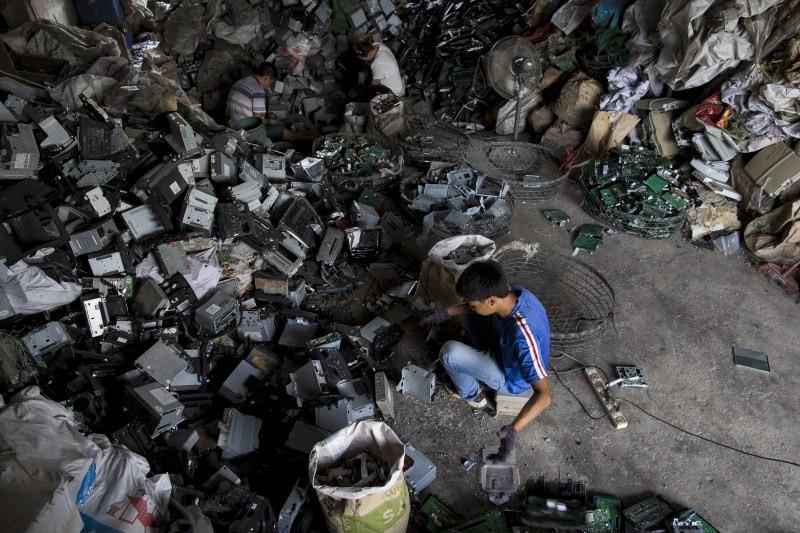 Electronics Waste Dump,World's Largest Electronics Waste Dump,Largest Electronics Waste Dump,Global E-Waste Dumping,Waste Dumping,electronic waste dump,Guangdong