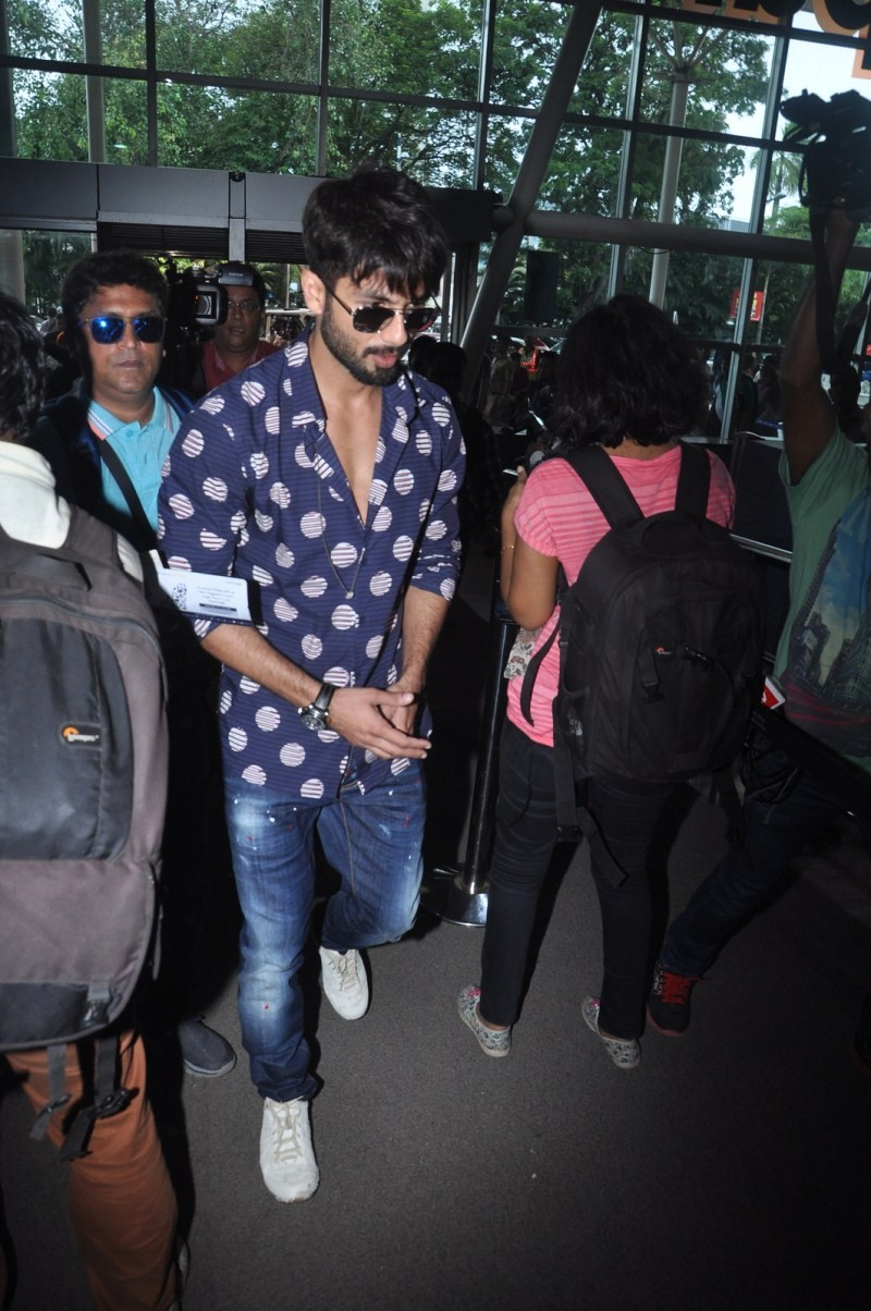 Shahid Kapoor and Mira Rajput wedding,Shahid Kapoor and Mira Rajput,Shahid Kapoor wedding,Shahid Kapoor wedding pics,Shahid Kapoor and Mira Rajput wedding: The actor leaves for Delhi,Shahid Kapoor,actor Shahid Kapoor,Shahid Kapoor pics,Shahid Kapoor image