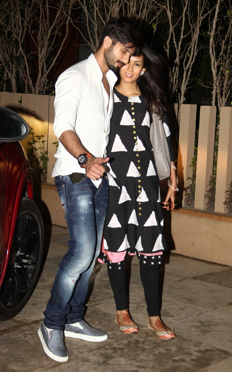 Shahid Kapoor and Mira Rajput,Shahid Kapoor,Mira Rajput,Shahid Kapoor and Mira Rajput snapped at Shahid's home after Wedding,Shahid Kapoor and Mira Rajput pics,Shahid Kapoor and Mira Rajput images,Shahid Kapoor and Mira Rajput  photos,Shahid Kapoor and Mi