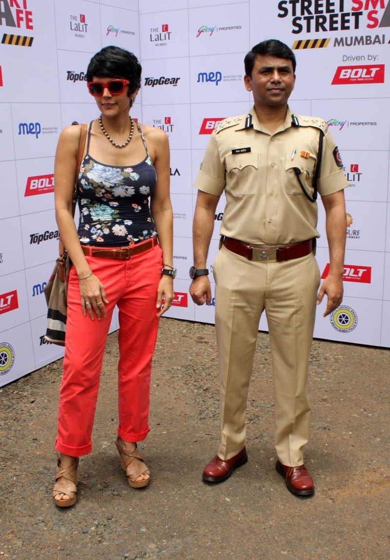 Mandira Bedi,Mandira Bedi flags off Women Safety Rally,Women Safety Rally,Mandira Bedi pics,Mandira Bedi images,Mandira Bedi photos,Mandira Bedi stills,Mandira Bedi pictures,Mandira Bedi latest pics